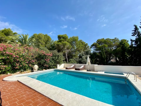 1 bedroom apartment with shared swimming pool