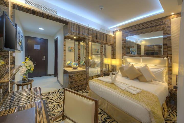 Cheapest Hotel Room in Bur Dubai heart of the city