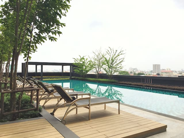 Cool Apt with 5 Stars Facility ,BTS - Bangkok - Appartement
