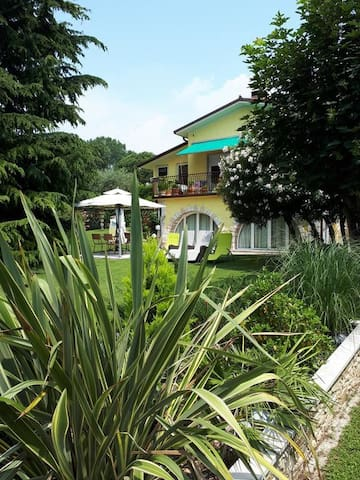 Casa Romantica un'oasi verde tutta per te