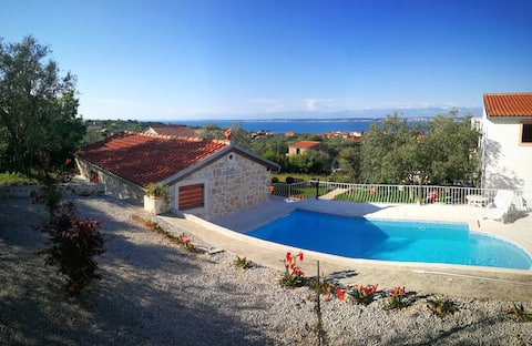 *Wind-Rose* apartment on island Ugljan, sea view