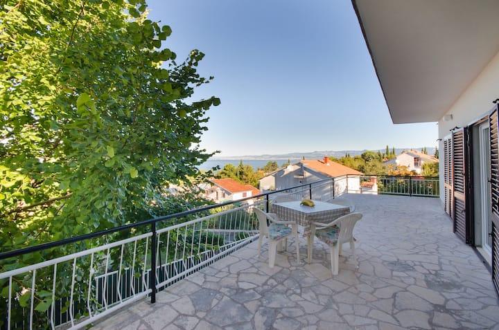 One bedroom Apartment, seaside in Njivice - island Krk, Terrace