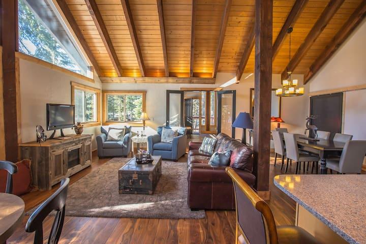 Tranquil, Serene Lake Tahoe Hillside Cabin