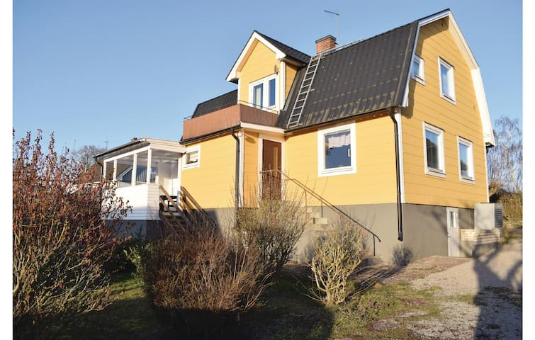Holiday cottage with 3 bedrooms on 130m² in Degerhamn
