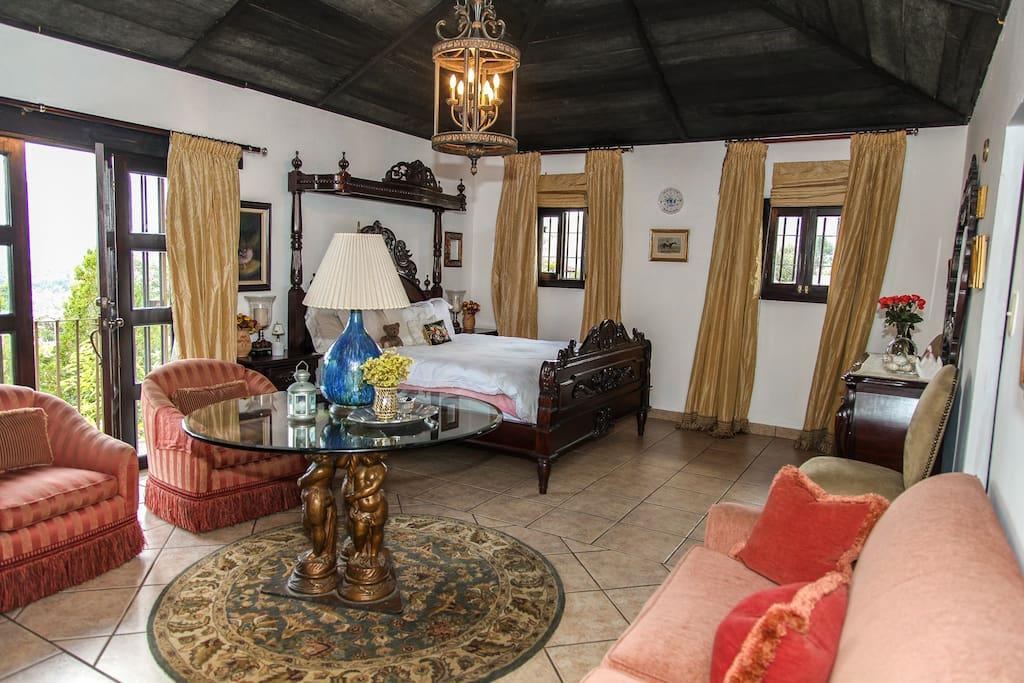 Jardin casa la historia emperatriz room villas for for Casa jardin guatemala