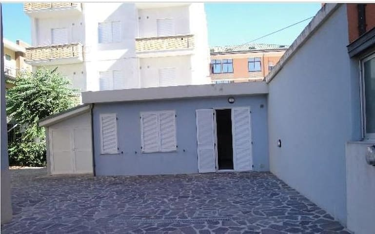 Appartamento indipendente a 50 m dal mare - Marotta - Apartment