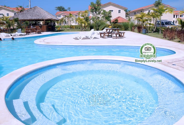 Simply-Lovely Condo  EXCLUSIVE Access to the BEACH - Punta Cana - Apartament