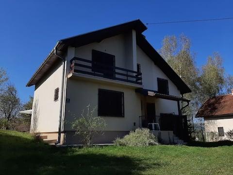 Beautiful house under the mountain Bjelašnica
