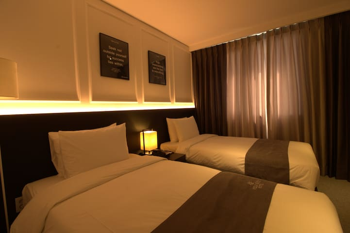 Suwon Vella Suite Hotel, Nearby Samsung Electronic - Paldal-gu, Suwon - Hotel boutique