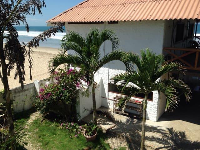 Oceanfront Home - Manglar Alto - บ้าน