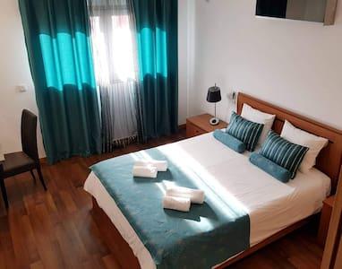 Apartamento T2 acolhedor c/ piscina aquecida