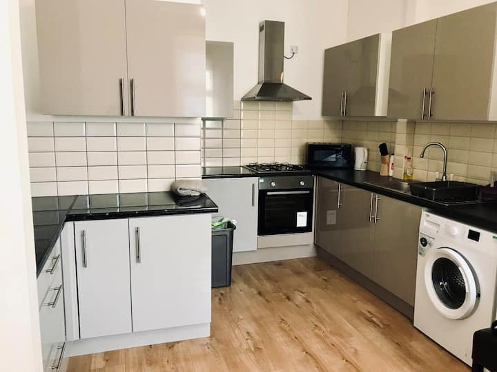 2 large Double rooms in shared flat