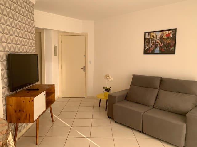 Sala de estar com TV LCD