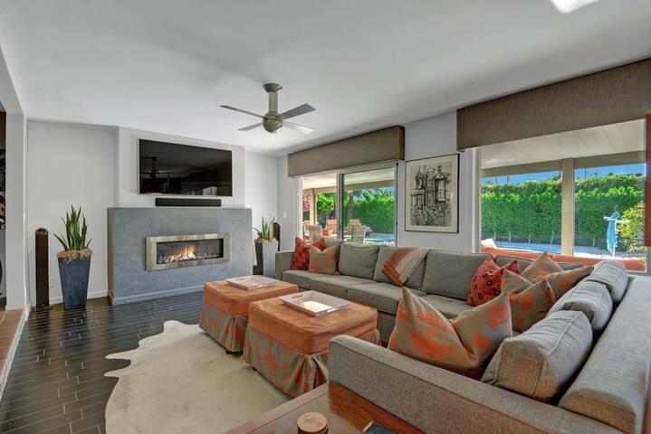 LIVING ROOM REVERSE -Oranj Palm Vacation Homes