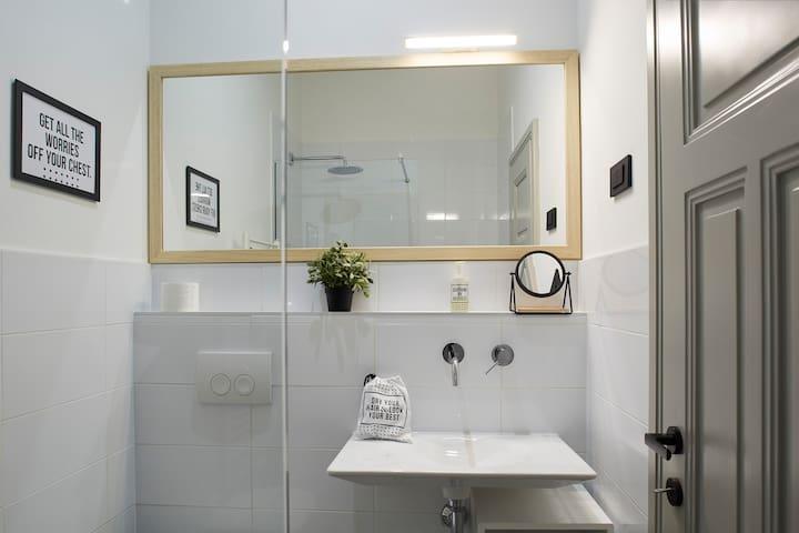 Bathroom, Zeitgeist appartament