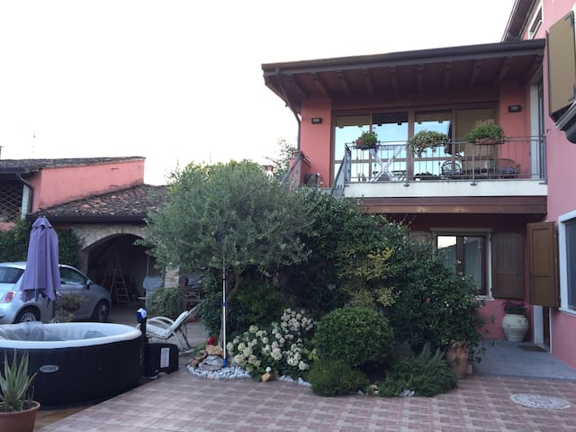 Accogliente B&B Free parking e WiFi - Casalmoro - House