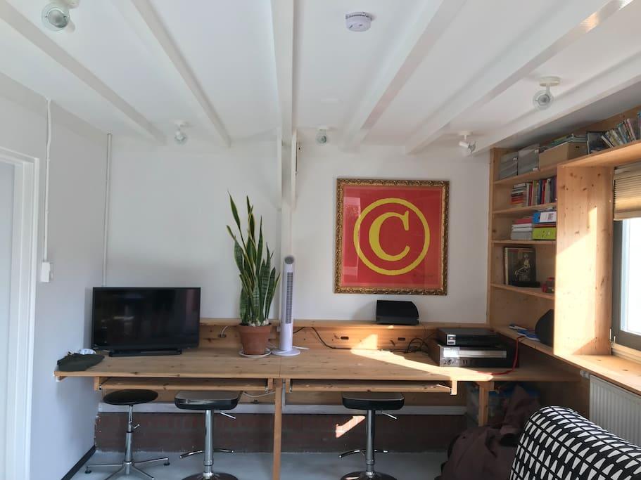 2 large desks with internet connection for laptops