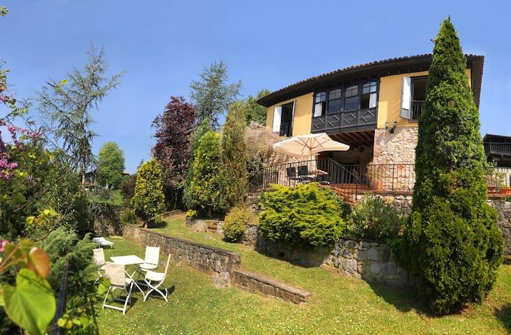 VIÑALBERO, Casa asturiana catalogada con encanto - San Justo de la Dóriga - Rumah