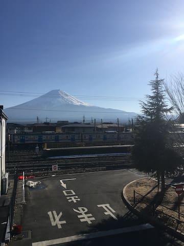 In front of Kawaguchiko staion and Mt.fuji view - Fujikawaguchiko-machi, Minamitsuru-gun - Apartmen
