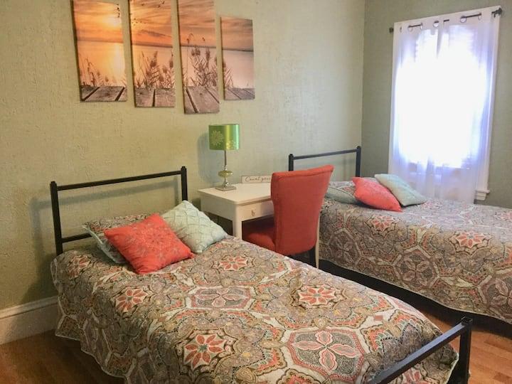 Second on Third Floor      2 twin beds set