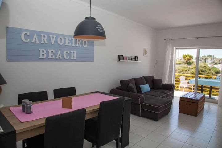 Casa Branco - 1 Bed Apt, Communal Pool & Parking, 300m From Beach, Carvoeiro Centre