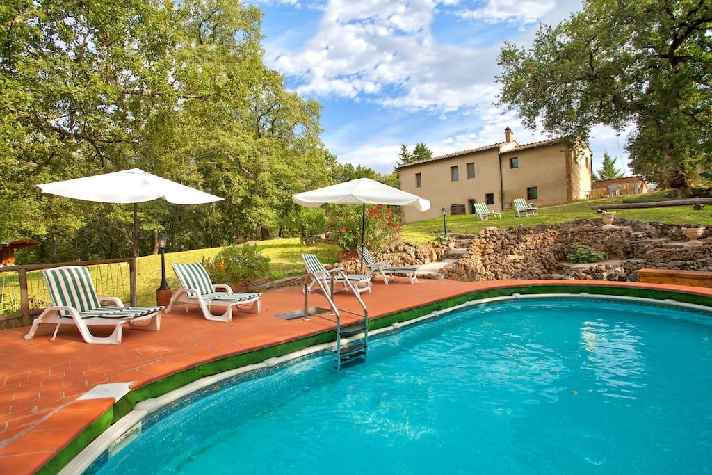 Campagne toscane pr s sienne villa avec piscine villas for Location villa toscane piscine