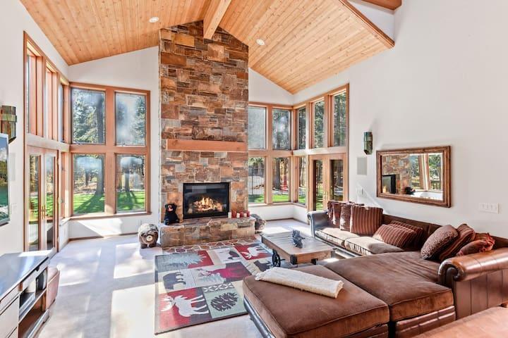 New Listing! Sugar Bear Lodge w/ Casita