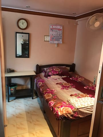 Cozy private room in Colaba - Mumbai - Apartment
