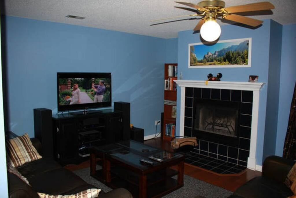 Comfortable space to enjoy a movie or fire (only in fireplace ;-)
