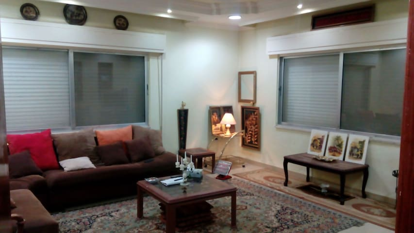 A very beautiful classical place .. - Amman - Apartamento