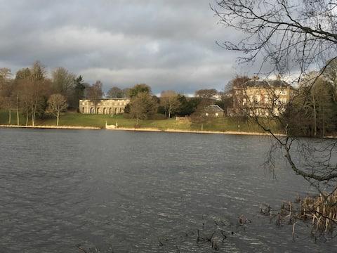 Yarrow Flat, Haining Estate