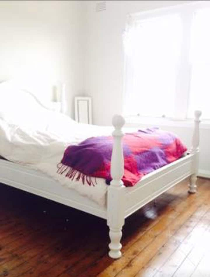 Nice sunny beach bedroom ideal short&long term