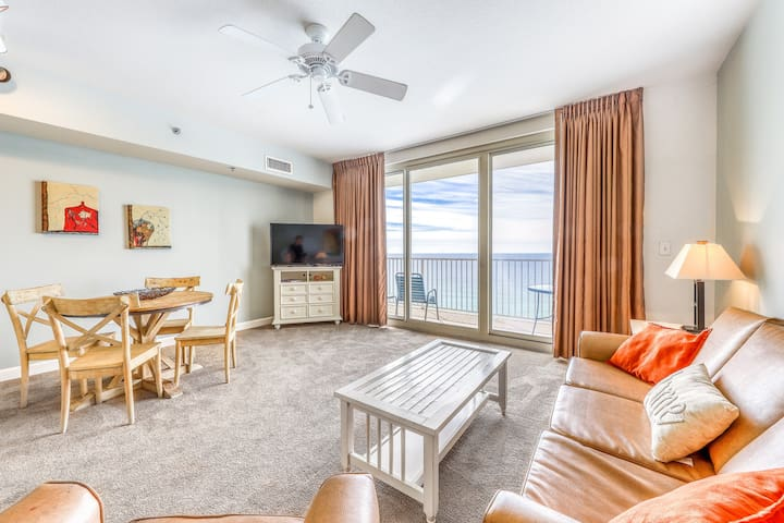 Lovely Gulf front condo w/ sunset beach views and shared pools & hot tubs!