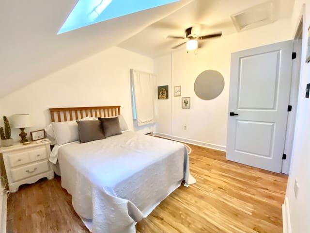 Full size bedroom.