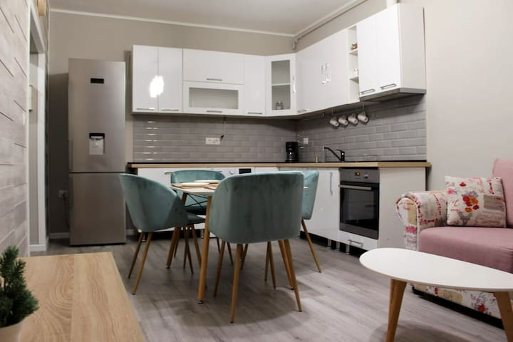 Cozy & Minimalist Entire Apartment at Iulius Mall