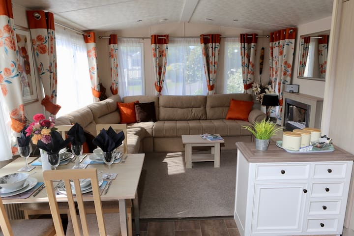 Platinum Plus 2 Bed Caravan South Cornwall