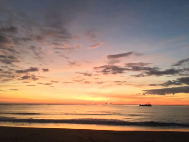 Casa de Playa frente al mar. - Miramar - Hus