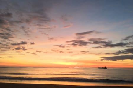 Casa de Playa frente al mar. - Miramar