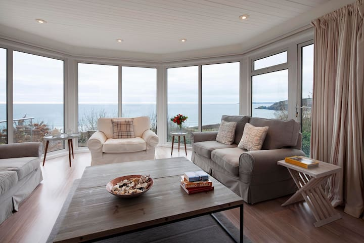 Bojowan - Luxury House with Sea Views in Cornwall