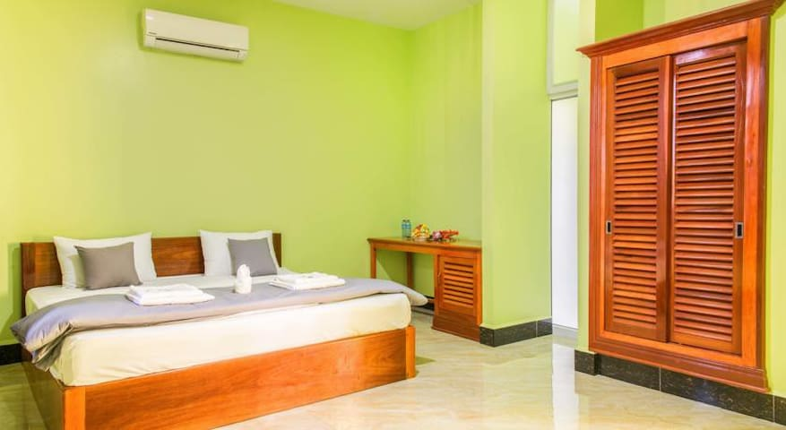 Double Room A/C - Blue Buddha Hotel - Kampot - Inny