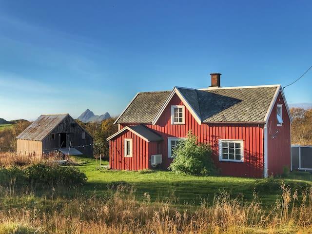 Traditional Nordlandshus - Bø i Vesterålen - Hus