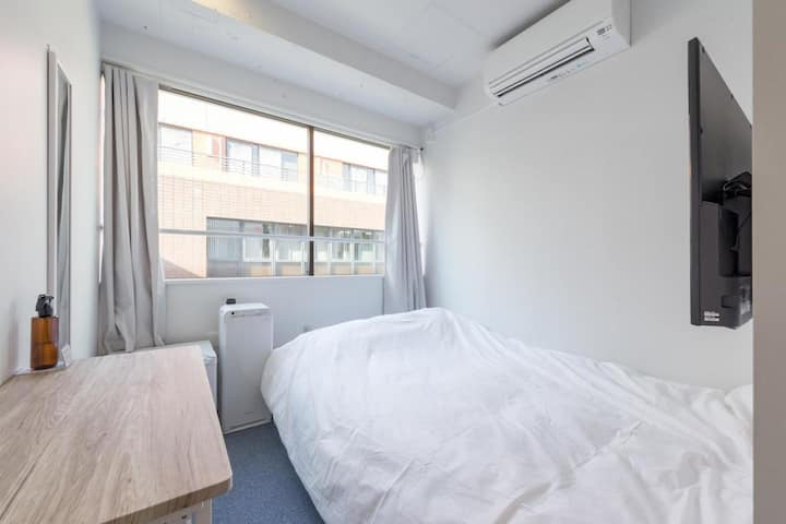 【8 minutes on foot from Kanda station】Standard Double Room・Free Wi-Fi