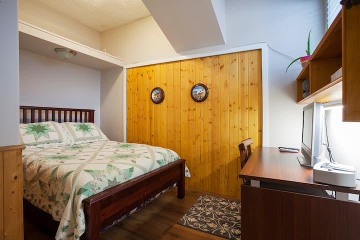 Small Budget Room Double bed Private washroom