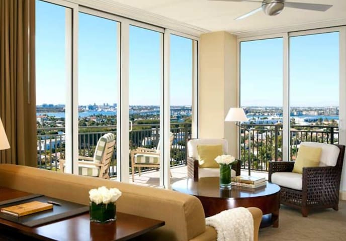 18th FL Wrap Around/Ocean & Intracoastal Views