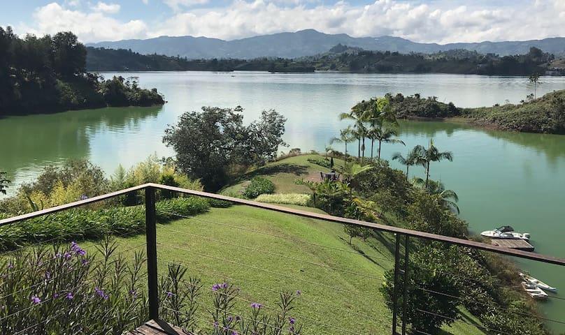 Finca Cabaña Guatape / Peñol 2 Horas de Medellín - El Peñol