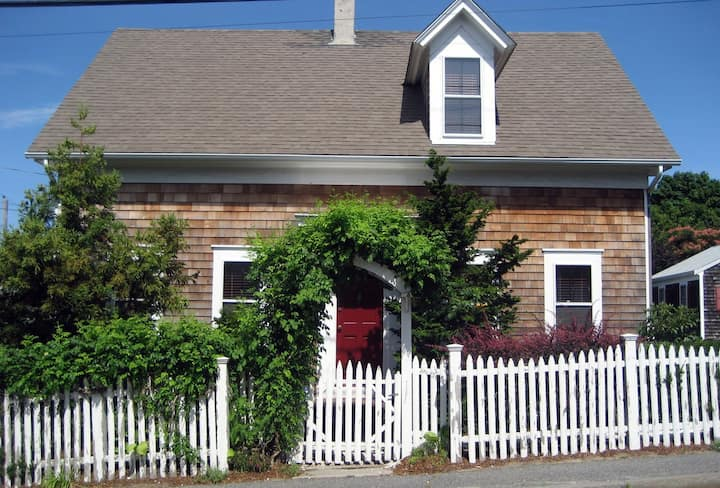 Location!! Large West End House w/ parking!