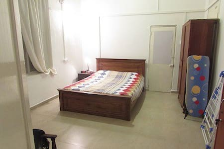 1 Bed Ground floor flat in Colombo 05 Sri Lanka - Colombo