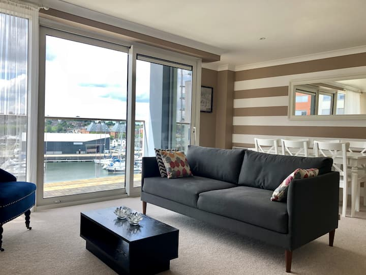 Toothbrush Apartments 2 Bed/2 Bath Waterfront View, Parking (5th Flr)