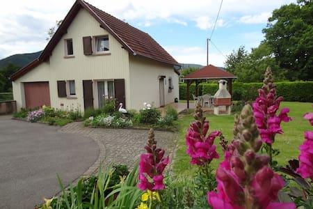 "Gîte "" Le Jardin d'Elisa"" - Niederhaslach - Allotjament sostenible a la natura"