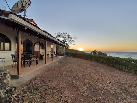 Casa en bahía piratas conchal tamarindo guanacaste